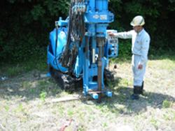 土壌調査機による採取
